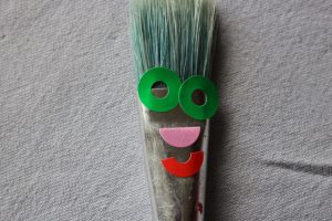 Pinsel mit Gesicht